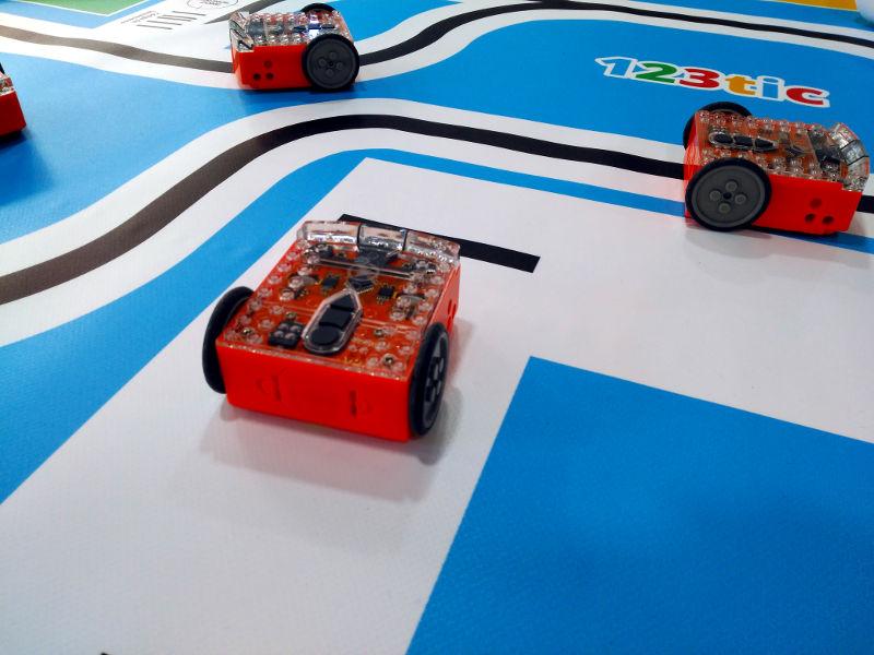 Tapete de actividades para los robots Edison